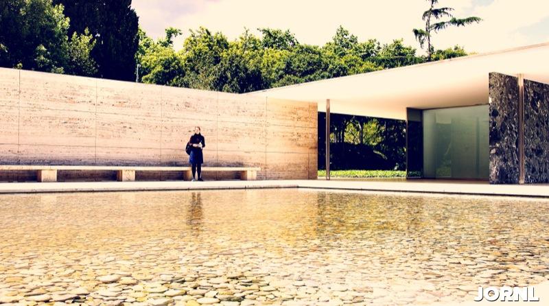 Павильон архитектора Миса ван дер Роэ в Барселоне