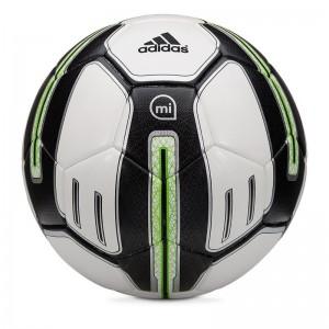 Умный мяч Adidas Micoach поможет научится бить как профессионал (299€), фото: adidas.com